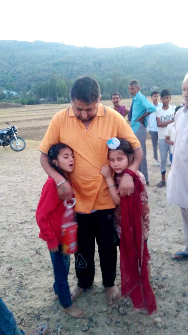 Man hurls two daughters into lake, rescued by local youth