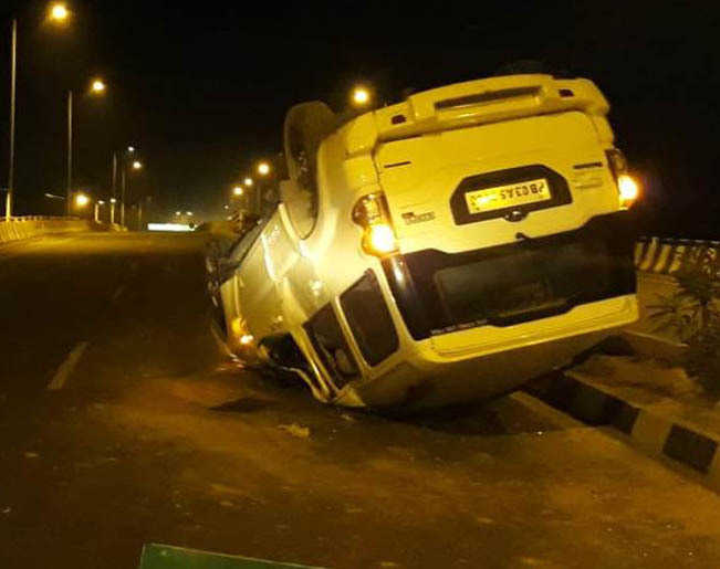 Three kids among five hurt in road mishap