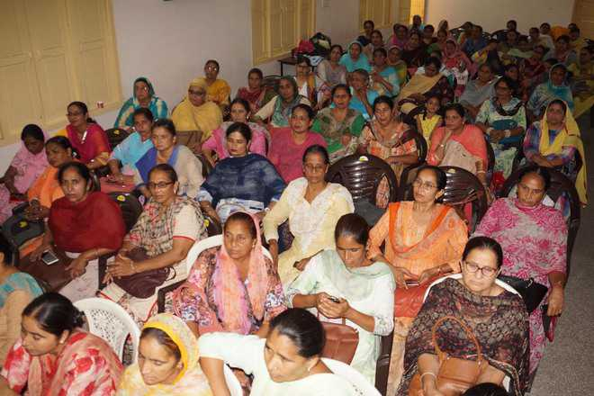 Anganwadi workers to protest outside minister's house