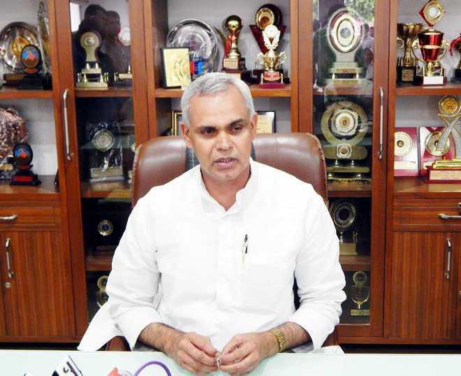 Governor meets Modi, seeks financial aid