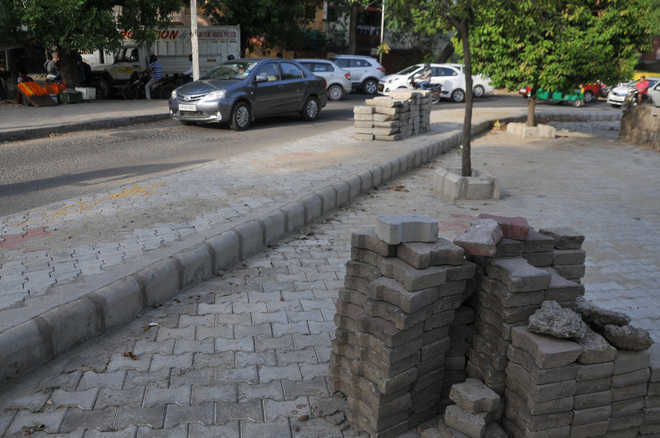 Mohali residents flay MC move on replacing pavers