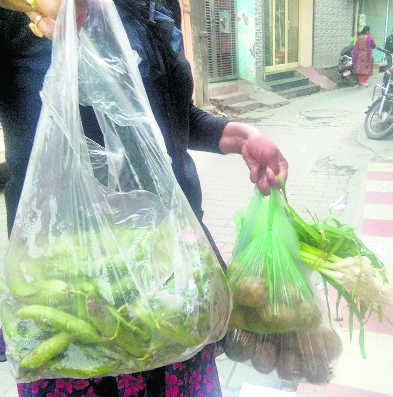Admn to crack whip on makers, bulk suppliers of poly bags
