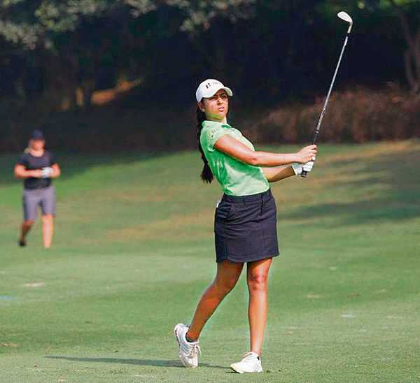 Tvesa takes lead on Day 1 in Bengaluru, Gaurika 5th