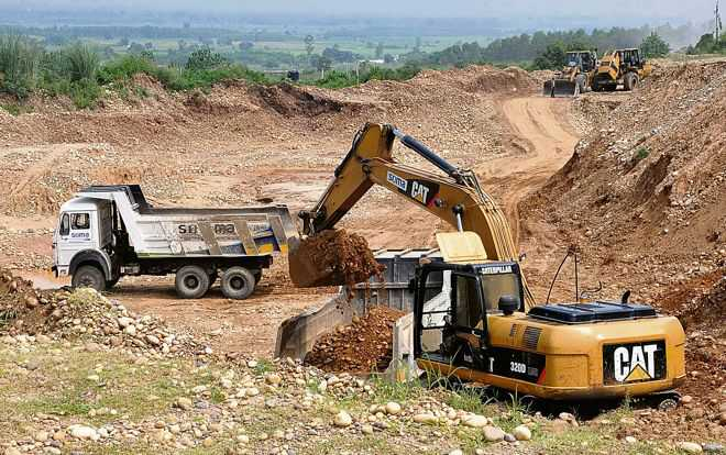 Illegal mining: JCB, six tractor-trailers seized