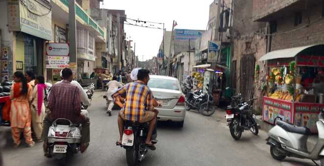 Drive to remove traffic bottlenecks in Ahmedgarh markets
