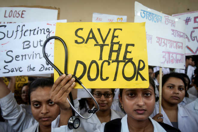 West Bengal doctors in no mood to relent despite Mamata offer