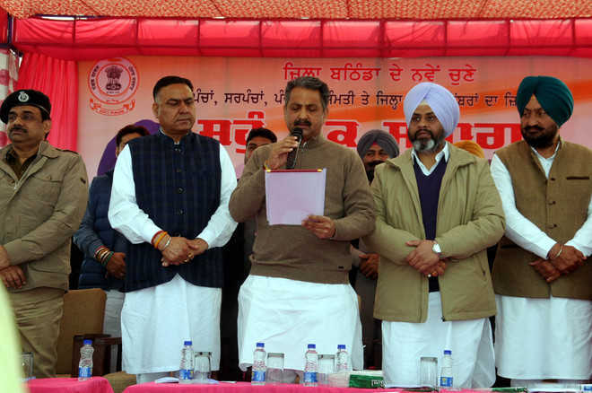 Punjab min asks pvt schools not to force parents to buy books from particular shops