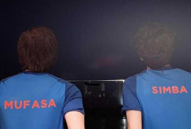Shahrukh Khan, Aryan are ready for India vs Pakistan match with Father's day spirit