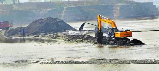 PIL filed against auction of mines, notice to state