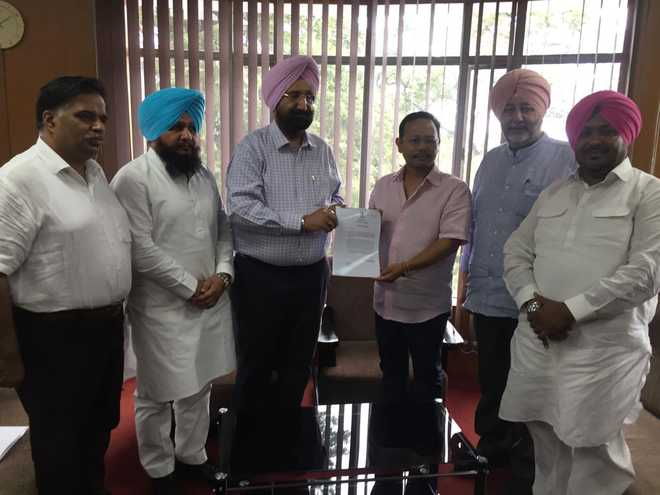 Meghalaya minister speaks to Capt, assures safety of Sikhs in state