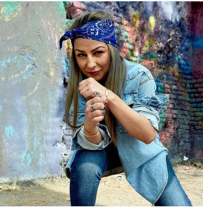 Hard Kaur in trouble over 'objectionable' posts on Yogi, RSS chief