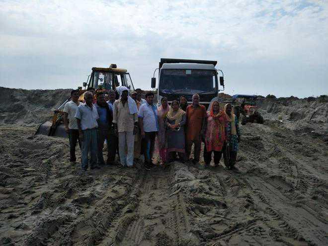 Villagers protest illegal mining at Haroli village