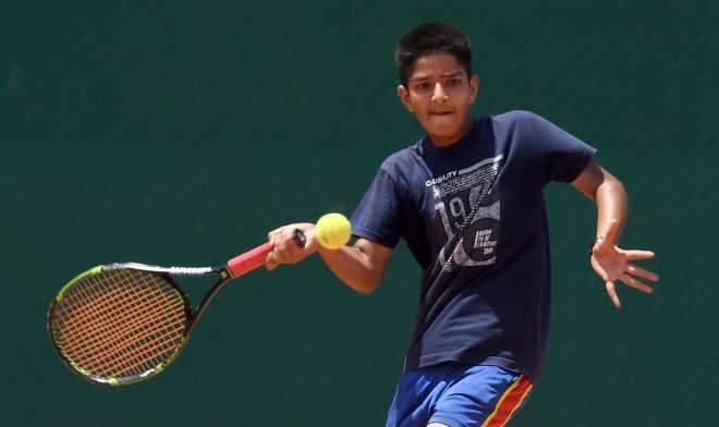 Super Sanidhya storms into final