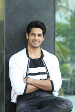 Siddharth fights  for a cause