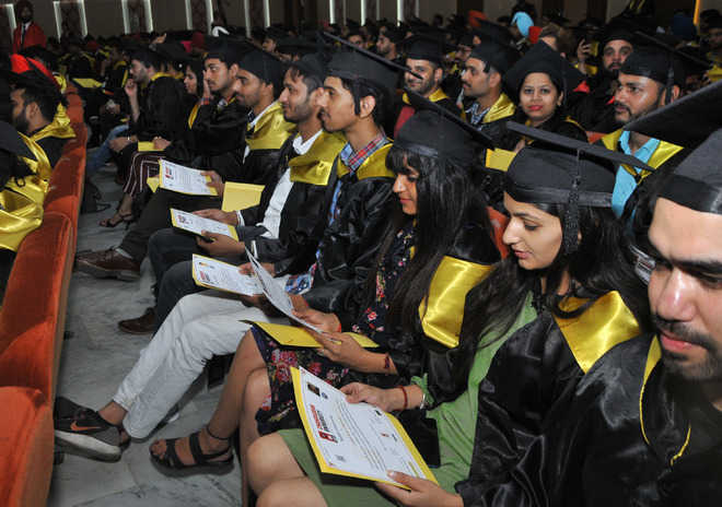 1 657 Students Get Degree At Chandigarh University