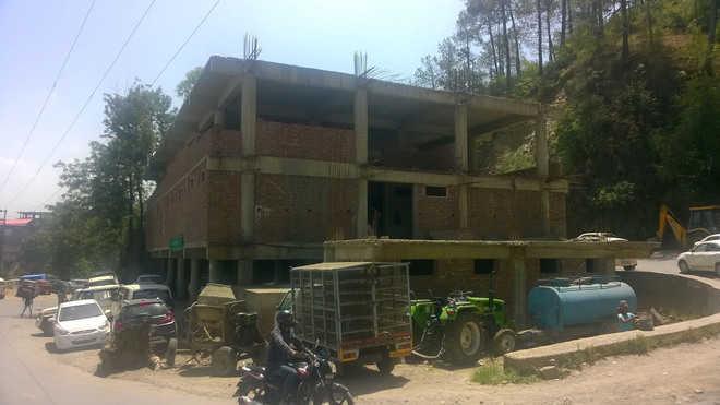 Multi-storey buildings a major traffic hazard