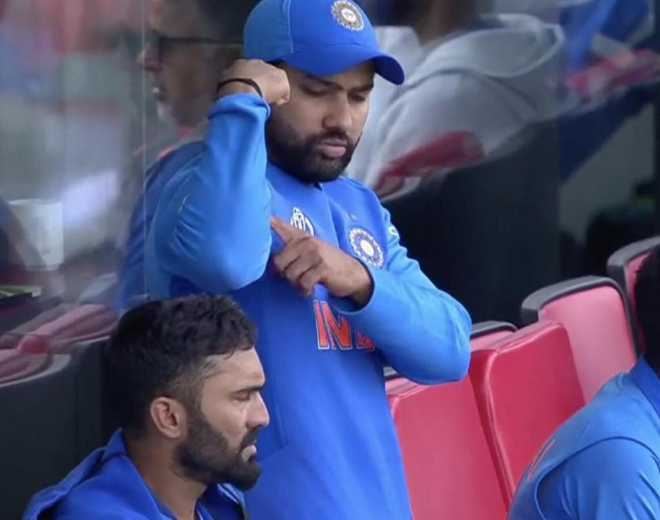 Rohit Sharma signals to Ravindra Jadeja 'You are strong', video goes viral