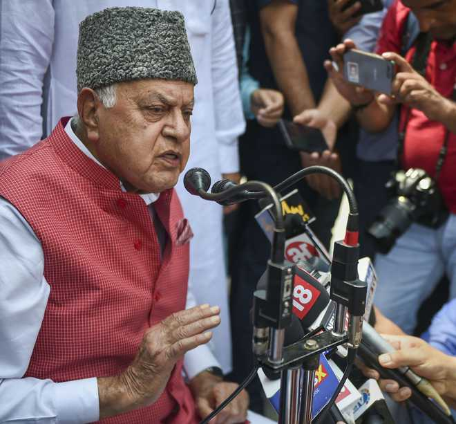Kashmir issue should be resolved through dialogue: Farooq