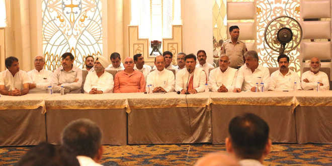 Tanwar holds poll strategy meeting