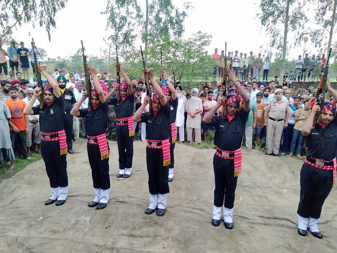 Army jawan from Lalru cremated with honours