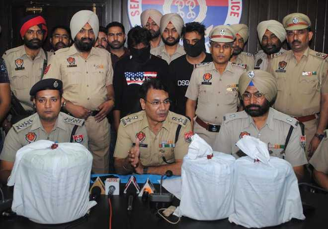 Two arrested with 16-kg opium