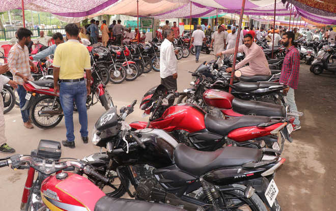 In age of e-commerce, second-hand bike market at Rose Garden