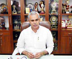 Devvrat 15th Guv to leave before term completion