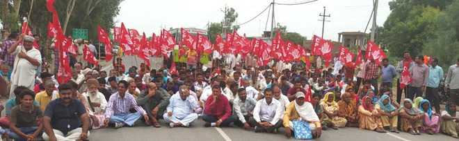 CPI activists block highway to protest sand mining
