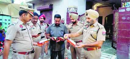Police confiscate illicit liquor from manhole in Khanna