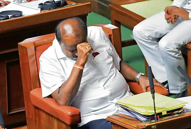 Prove majority by 1.30 pm, Governor tells K'taka CM