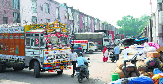 Admn moves to clear  mandi mess in Sec 26