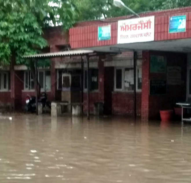 Water damages Malout Civil Hospital building