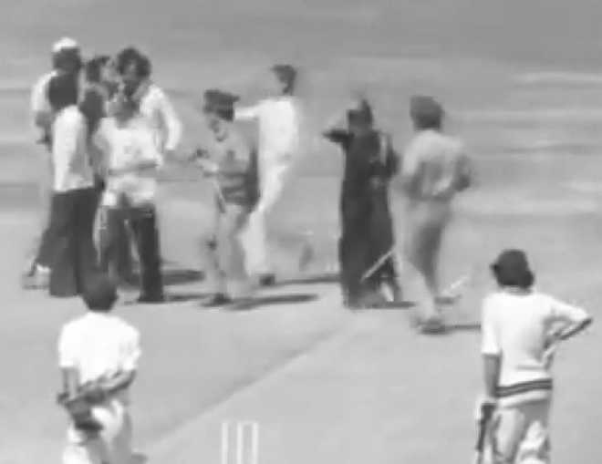 'SareeTwitter' shares 1975 video of woman kissing cricketer, video goes viral