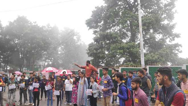 9 ABVP activists suspended, HPU on the edge