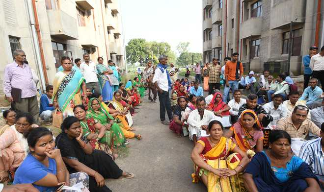 128 Colony No. 4 dwellers allotted flats in Maloya
