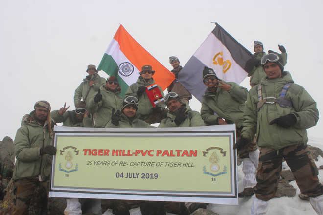 18 Grenadiers relive Tiger Hill capture