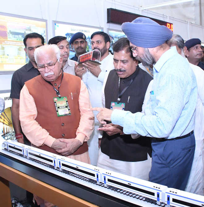 Will go for elevated rly tracks, eliminate level crossings: CM