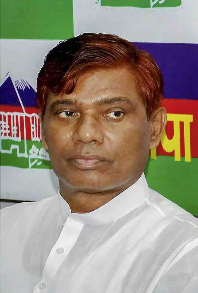 Minister Paswan S Younger Brother Bihar Mp Dies At 57
