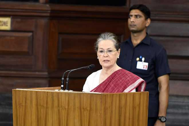 Modi regime hell-bent on subverting RTI Act: Sonia