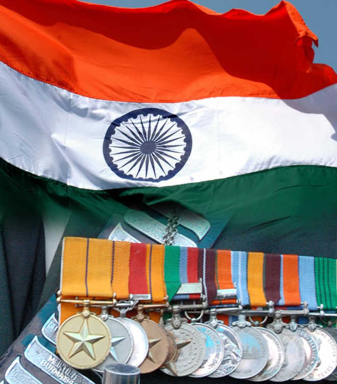 Soldiers can sport 'family' medals only in civvies