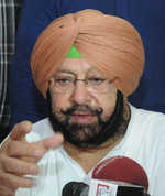 Punjab MPs have coffee with Capt in Parliament; CM to look at Sidhu letter on return