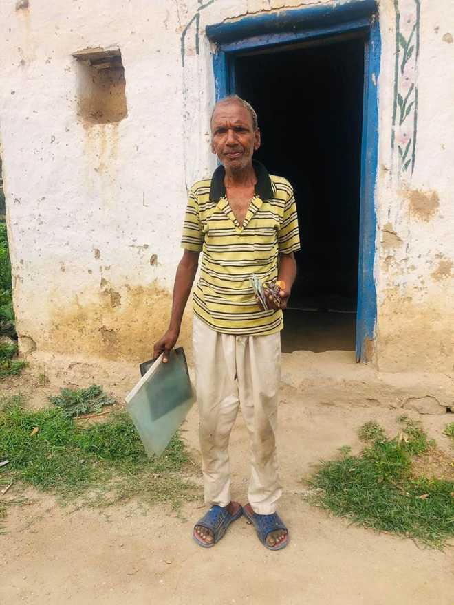 Off BPL list, man struggles to get financial help for house