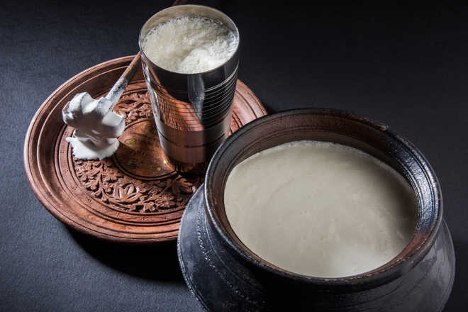 Indian author brings taste of 'lassi' to London