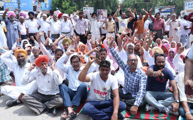 Protest over demolition of Ravidas temple