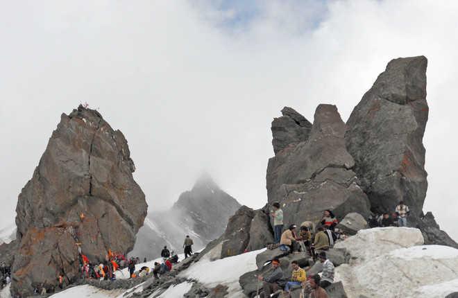 Pilgrims risk lives, trek to Shrikhand