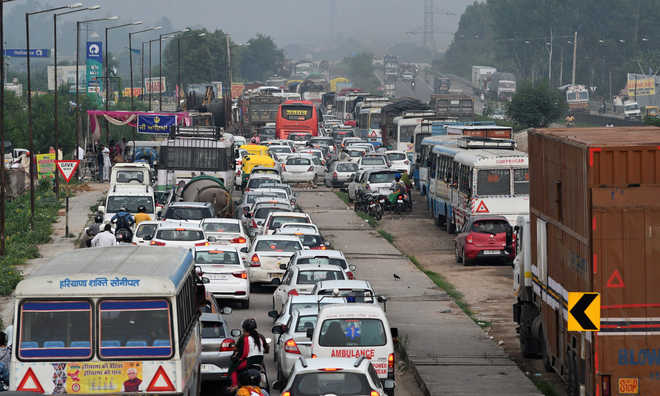 Mismanagement leads to traffic jam in Zirakpur