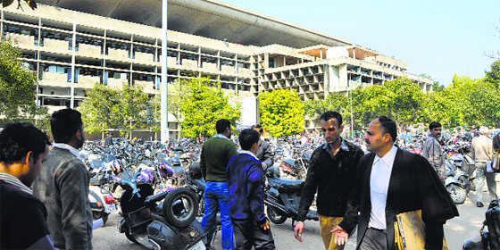 Punjab and Haryana HC ends symbolic shutdown, slaps Rs 50,000 costs on Bar
