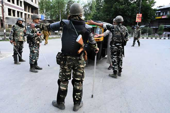MHA admits to 'unrest' on Srinagar outskirts on Aug 9, says forces didn't fire