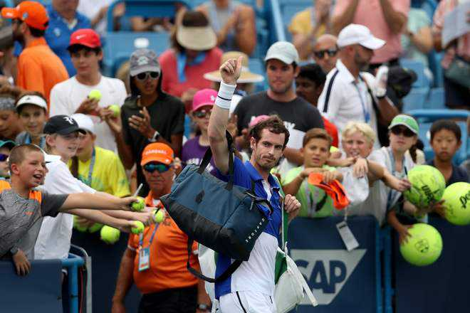 Murray loses on comeback