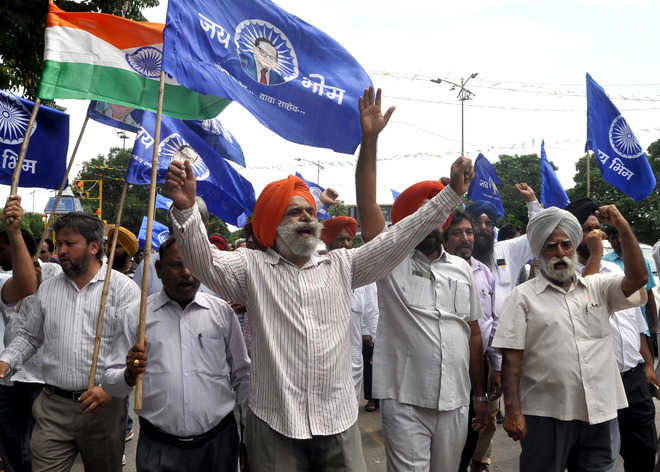 Protesters halt vehicles in Mohali